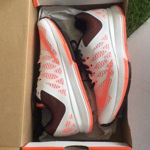 New Woman's Nike Air Zoom Elite 7